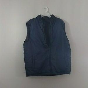 Reversible vest.